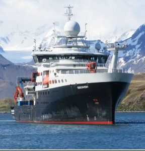 Statek badawczych u wybrzeży Południowej Georgii / Credits - ESA