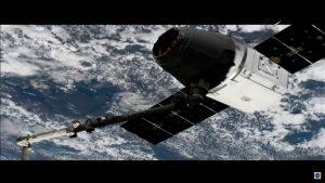 Przechwycenie kapsuły Dragon przez SSRMS - misja CRS-14 / Credits - NASA TV