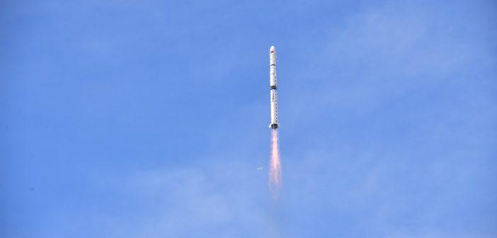 Start CZ-4C z trójką satelitów Yaogan-31 01