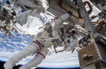 Astronauta Drew Feustel w trakcie EVA-49 / Credits - NASA