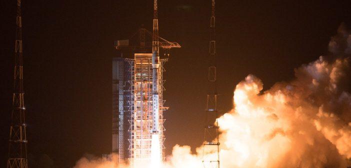 qStart CZ-4C z Gaofen-5 / Credits - Jing Liwang/Xinhua