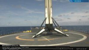 Udane lądowanie pierwszego stopnia Falcona 9R - 11 maja 2018 / Credits - SpaceX