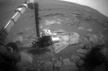 Obraz z sol 5104 - łazik bada skałę / Credits - NASA