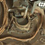 Wiertło MSL na tle pokrywy instrumentu SAM - zdjęcie z 31 maja 2018 / Credits - NASA/JPL-Caltech/MSSS