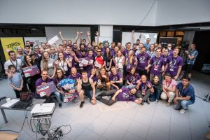 Finaliści oraz eksperci hackatonu SpaceTech Riga Challenge / Credits - Garage 48