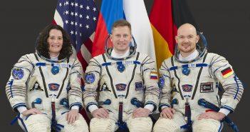 Załoga Sojuza MS-09 / Credits - NASA