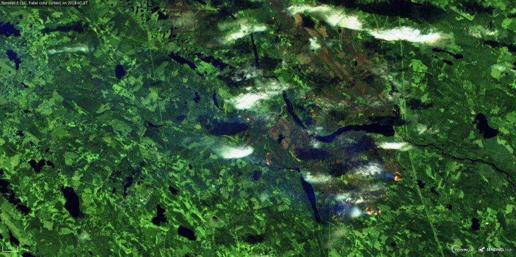 Pożary lasów w północnej Szwecji z 27 lipca 2018 (fałszywe kolory, kliknij by powiększyć) / Credits - Sinergise, ESA