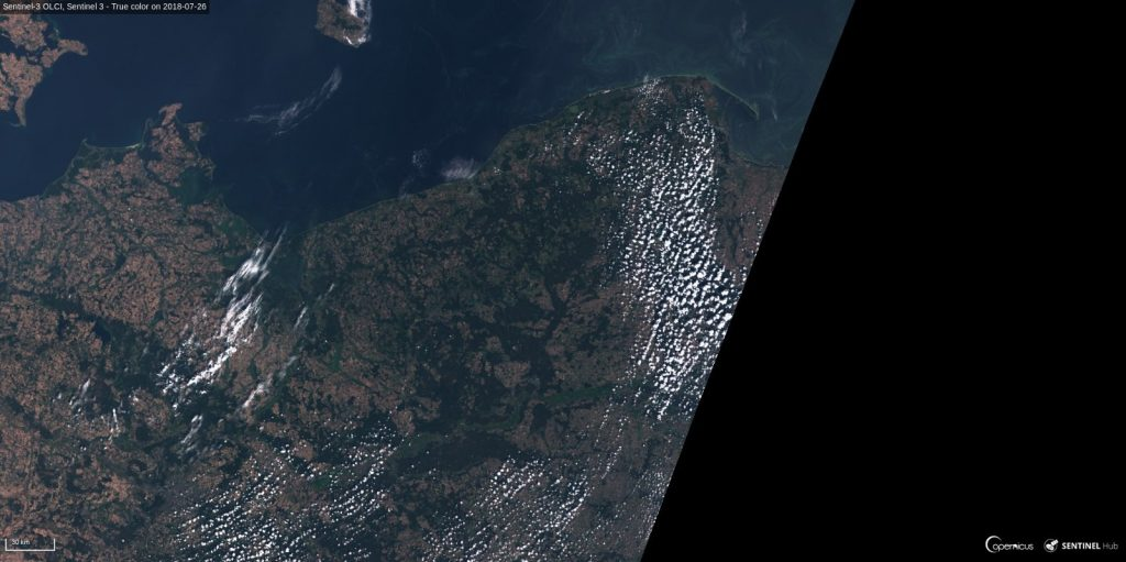 Widok na północną Polskę z dnia 26 lipca 2018 okiem satelity Sentinel 3 (kliknij by powiększyć) / Credits - Sinergise, ESA