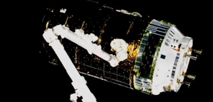 HTV-7 przechwycony przez SSRMS / Credits - NASA TV