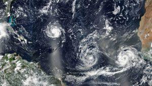 Huragany Florence, Isaac i Helene - 9 września 2018 / Credits - Joshua Stevens, NASA Earth Observatory na podstawie danych z instrumentu VIIRS z satelity Suomi NPP