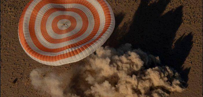 Powrót Sojuza MS-08 na Ziemię / Credits - NASA