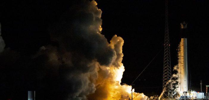 Test silników pierwszego stopnia Falcona 9 do misji SpX-DM1 / Credits - SpaceX