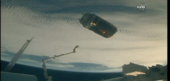 HTV-7 opuszcza ISS / Credits - NASA TV