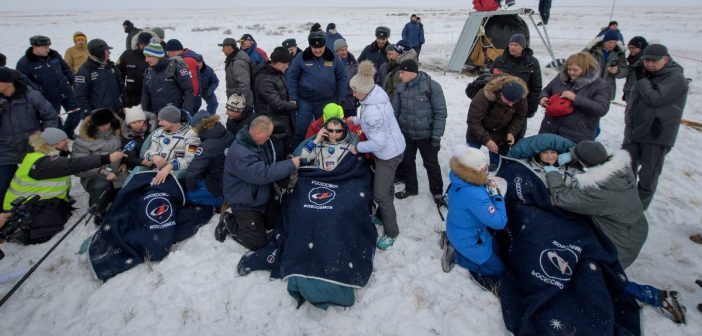 Załoga Sojuza MS-09 na Ziemi po zakończeniu misji / Credits - NASA, ESA