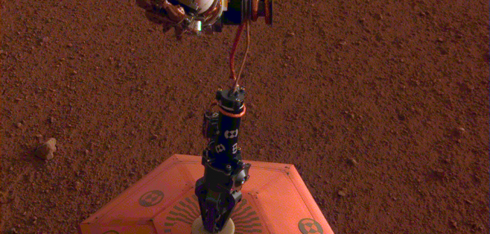 Sejsmometr SEIS na powierzchni Marsa / JPL, NASA