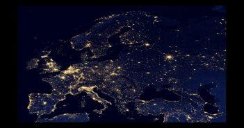 Przetworzony obraz Europy nocą na podstawie danych z satelity Suomi NPP / Credits - NASA