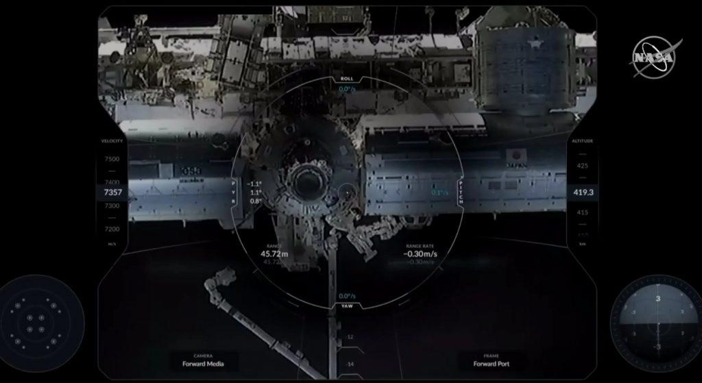 Widok z pokładu Dragona 2 podczas zbliżania do ISS / Credits - NASA TV
