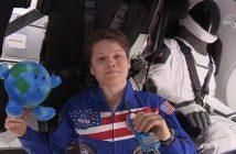 Anne McClain na pokładzie Dragona 2 / Credits - NASA TV
