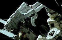 Prace podczas EVA-53 / Credits - NASA TV