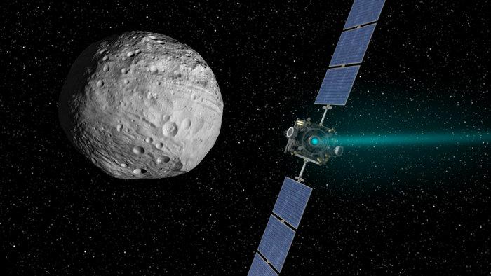Sonda kosmiczna Dawn zbliża się do planetoidy Westa / credits: NASA/JPL-Caltech