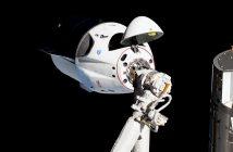 Statek SpaceX Dragon 2 w pierwszym, testowym locie (SpX-DM1) zbliża się do Międzynarodowej Stacji Kosmicznej (3 marca 2019 r.) / NASA