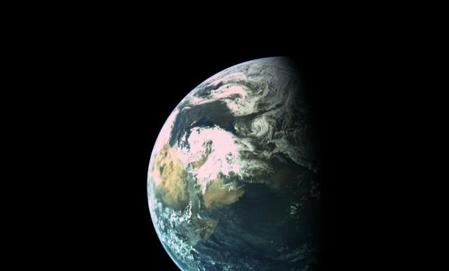 Zdjęcie Ziemi z lądownika Beresheet wykonane 31 marca 2019 z odległości około 16 tysięcy kilometrów / Credits - SpaceIL