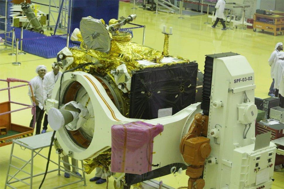 Prezentacja sprzętu do misji Chandrayaan 2 / Credits - Indyjskie Biuro Informacji