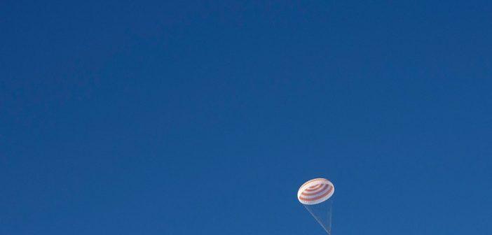 Lądowanie Sojuza MS-11 /Credits - Bill Ingals, NASA