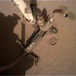 Zdjęcie po zakończeniu przenosin HP3 - w prawej górnej części zdjęcia widoczny Kret / Credits - NASA