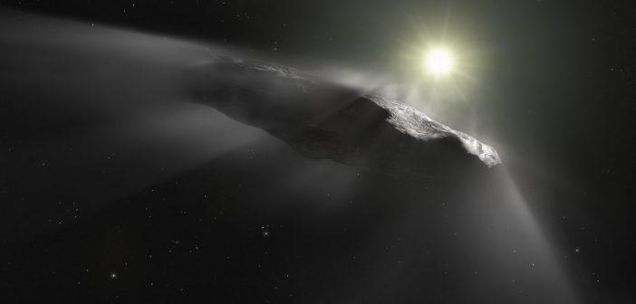 Wizja artystyczna obiektu 'Oumuamua, który przyleciał do Układu Słonecznego z przestrzeni międzygwiazdowej (najprawdopodobniej z innego systemu planetarnego). Podobne pochodzenie może mieć kometa, która stanie się przedmiotem badań misji Comet Interceptor. Fot.: ESA/Hubble, NASA, ESO, M. Kornmesser