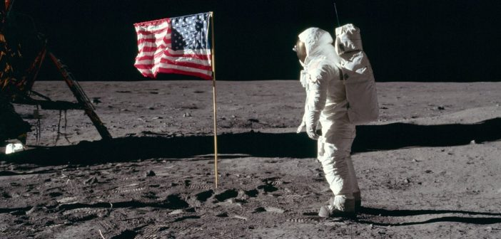 Buzz Aldrin na Księżycu - misja Apollo 11 / Credits - NASA