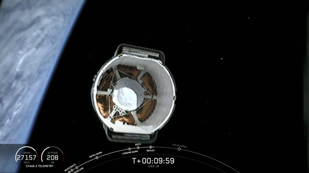 Uwolnienie kapsuły Dragon - misja CRS-18 / Credits - SpaceX
