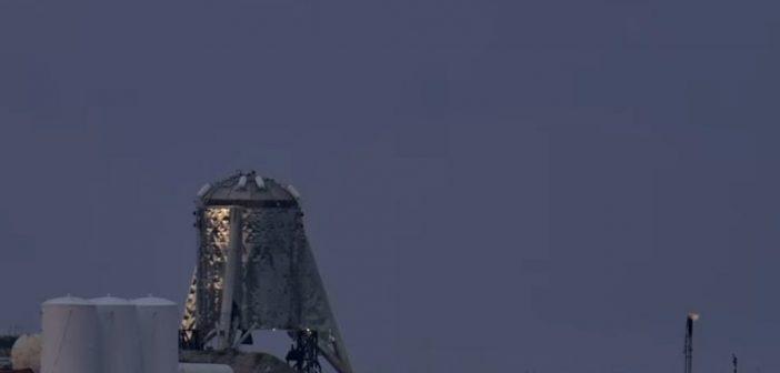 Spojrzenie na StarHoppera przed pierwszym podskokiem / Credits - SpaceX