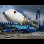 Przygotowanie do startu satelity Meridian-8 / Credits - Roskosmos