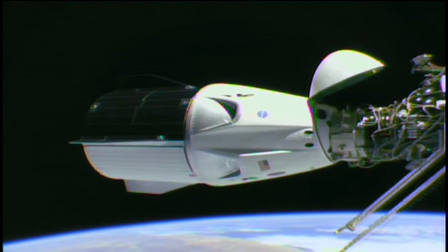 Kapsuła Dragon 2 przycumowana do ISS - marzec 2019, misja SpX-DM1 / Credits - NASA TV