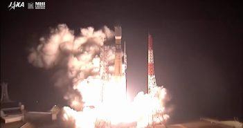 Start H-2B z pojazdem HTV-8 / Credits - JAXA, NASA TV