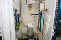 Kosmiczna toaleta na ISS / Credits - NASA