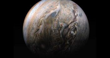 Spojrzenie na Jowisza z pokładu sondy Juno / Credits - NASA, JPL