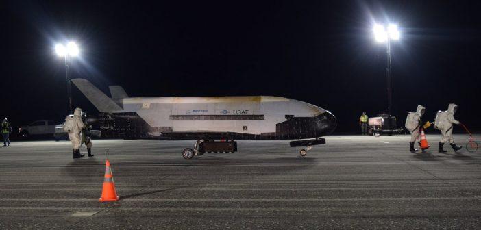 Koniec misji OTV-5 / Credits - USAF