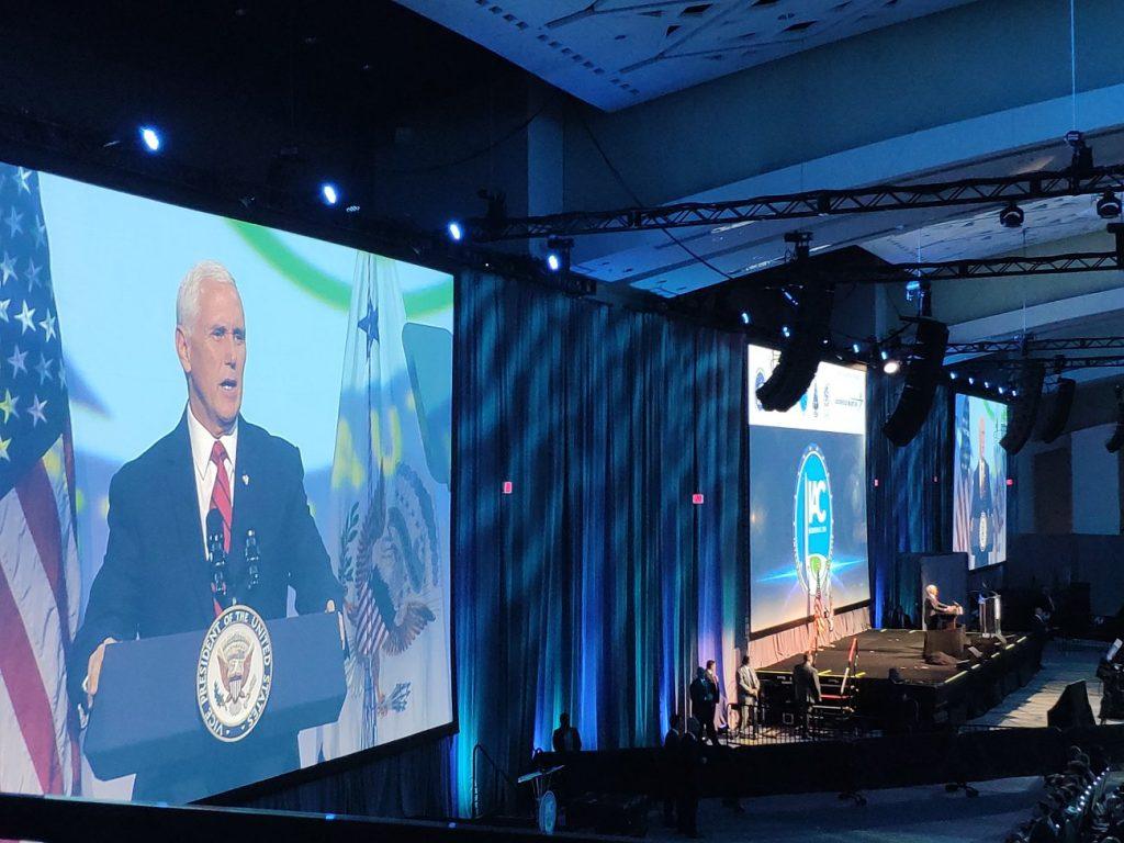 Mike Pence przemawia na otwarciu IAC 2019 / Credits - K. Kanawka, Kosmonauta.net