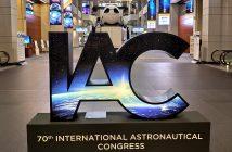 Wejście na konferencję (i wystawę) IAC 2019 / Credits - kosmonauta.net