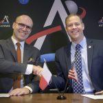IAC 2019 - Michał Szaniawski i Jim Bridenstine / Credit: (NASA/Bill Ingalls)