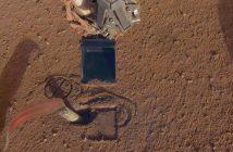 Element instrumentu HP3 - penetrator Kret (częściowo wbity w marsjański grunt) / Credits - NASA/JPL-Caltech
