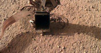 Spojrzenie na Kreta - część instrumentu HP3 / Credits - NASA/JPL-Caltech