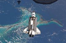 Prom Atlantis zbliża się do ISS - misja STS-135 / Credits - NASA