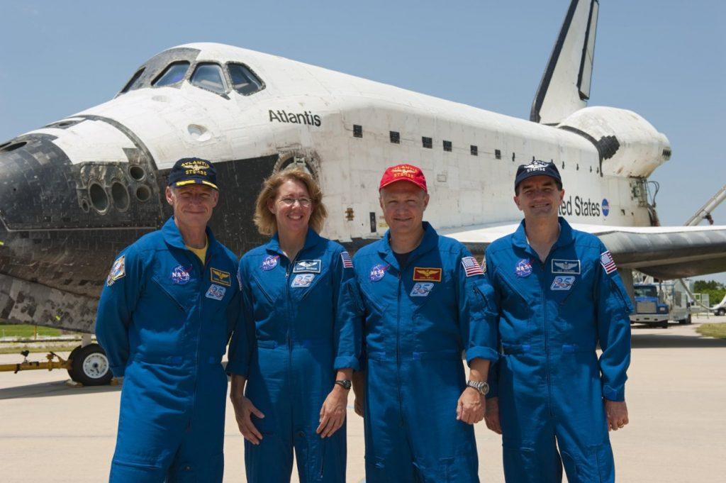 Prom Atlantis po misji STS-135 / Credits - NASA