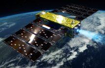 Grafika prezentująca satelitę Tsubame z włączonym silnikiem jonowym / Credits - JAXA