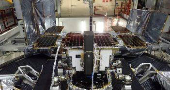 Przygotowanie ExoMars do testów termiczno-próżniowych / Credits - ESA, Airbus