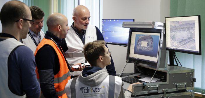 Finałowa demonstracja projektu DRIVER+, w czasie której w praktyce pokazane zostało funkcjonowanie metodyki prowadzenia testów (ang. Trial Guidance Methodology). Fot: CBK PAN / DRIVER+ / Henry Browne