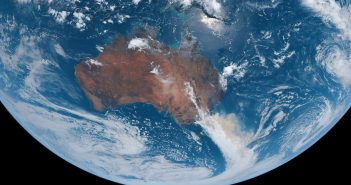 Chmura dymu nad wschodnią Australią - początek 2020 / Credits JAXA, Sean Doran
